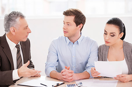 Collaborative family law lawyer with couple in Edmonton, Alberta, needing help to arrange an uncontested divorce, or no contest divorce in which the couple seek to divorce with going to court.